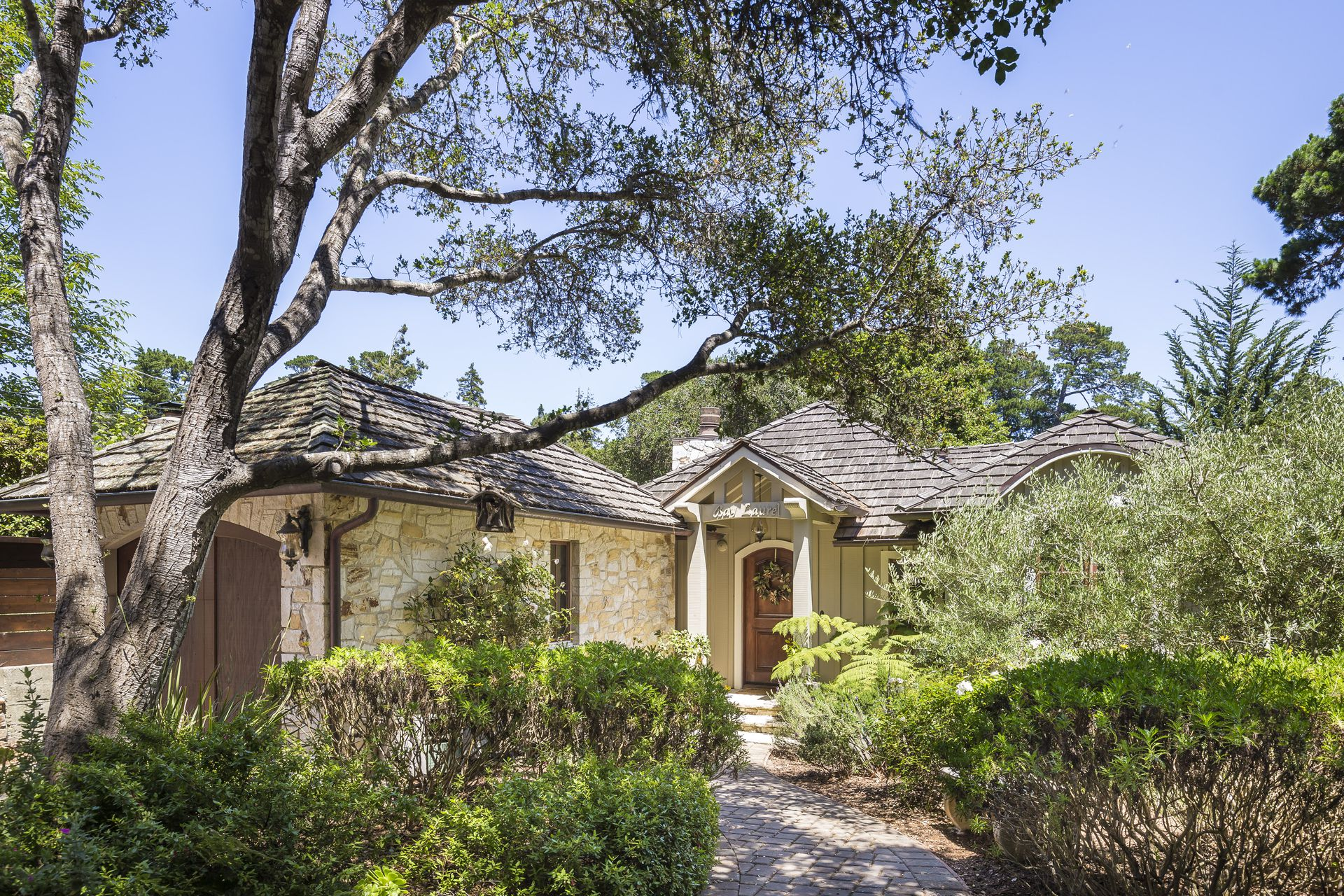 Property Photo - Mission 2NE of 9th (Carmel-by-the-Sea-by-the-Sea)
