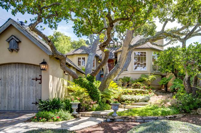 Luxury Homes for sale in Carmel-by-the-Sea